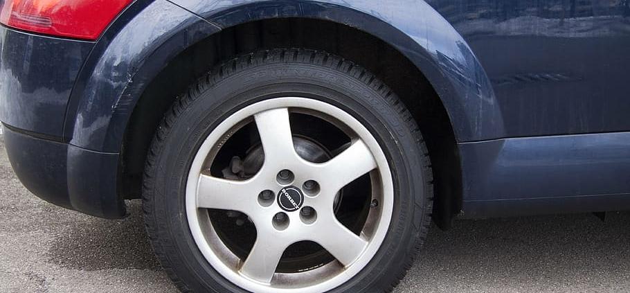 taller neumáticos sevilla