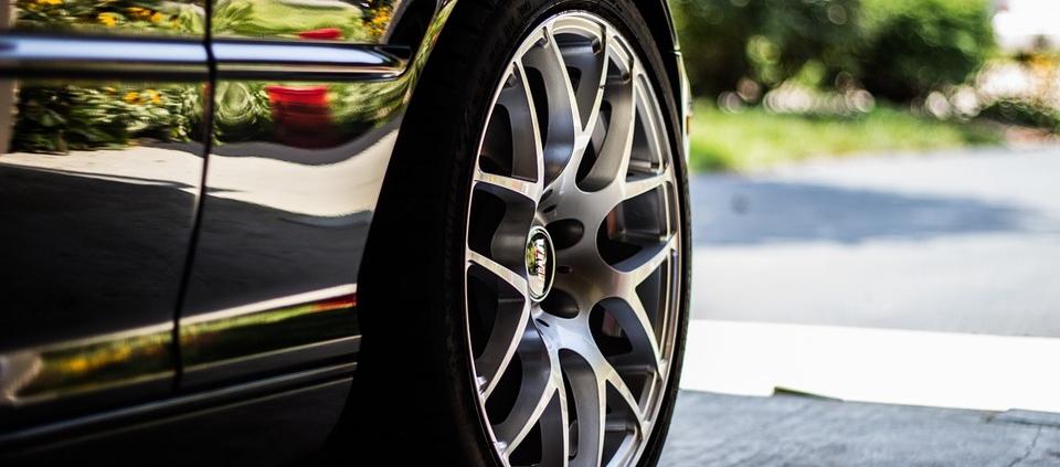 taller de neumáticos de coche en Sevilla